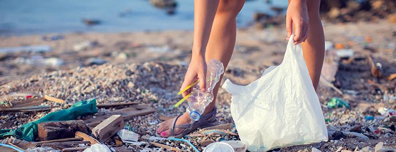 La produzione di plastica e la situazione dei mari