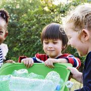 """Con il progetto """"Scuole libere dalla plastica"""" educhiamo i più piccoli a rispettare l'ambiente."""